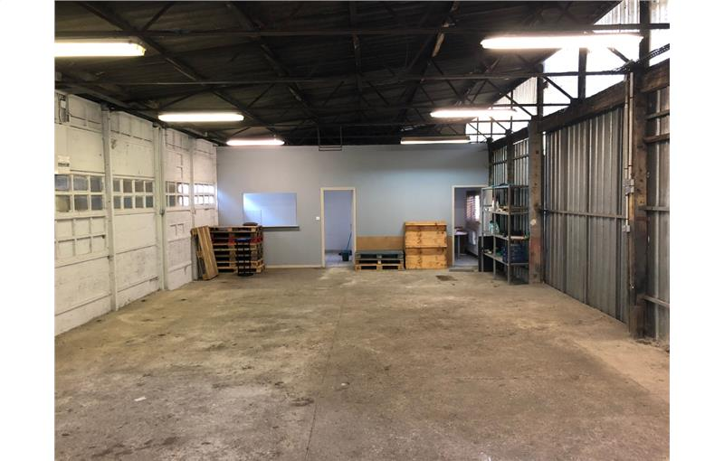 Location local 555.00 m² à TOULOUSE