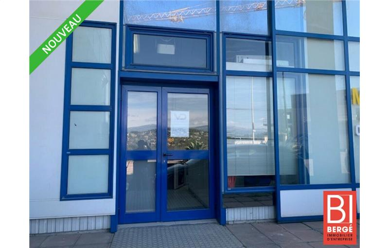Location local d\'\'activites 66 m² non divisibles